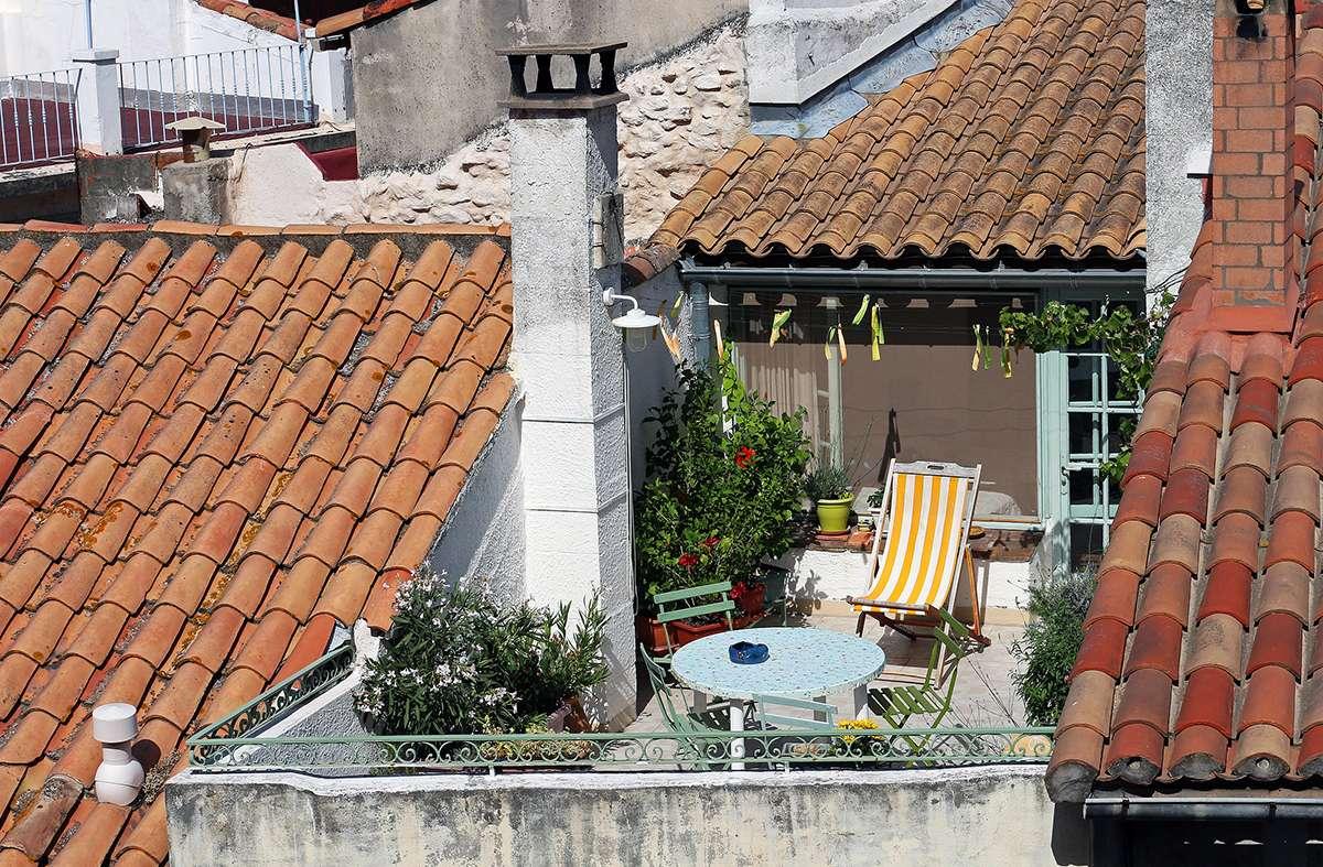 La terrasse tropézienne doit s'intégrer à l'architecture de la ville