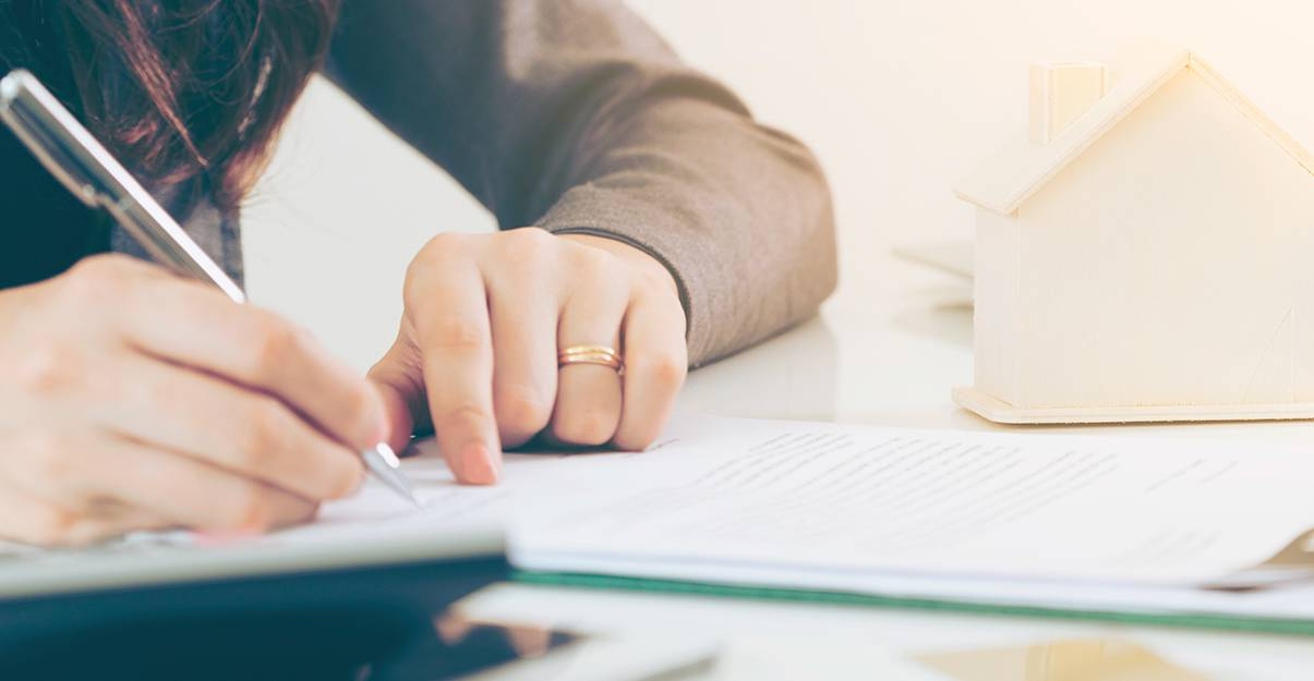 Achat de maison à rénover : intégrer les frais de notaire