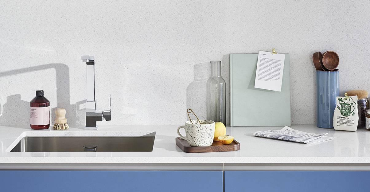 Décoration de cuisine : zoom sur le plan de travail et la crédence