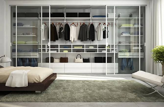 Accessoire dressing : la porte vitrée