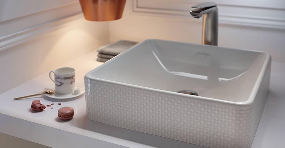 La vasque en céramique, une valeur sûre