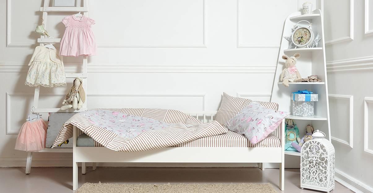 Privilégier un lit sans cadre pour une petite chambre