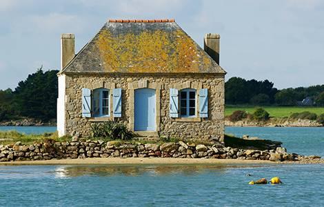La toiture, souvent la première chose à rénover dans une maison ancienne