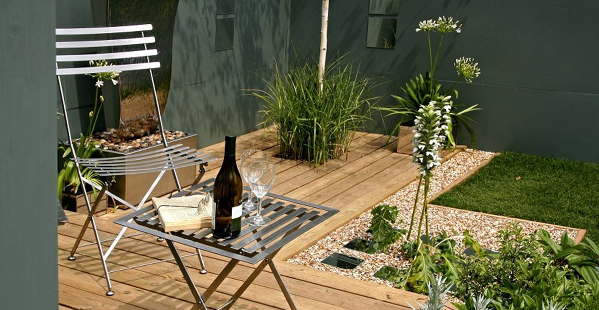 Petit jardin: pensez compact pour le mobilier