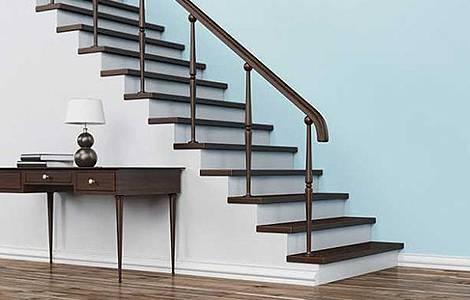 Escalier pour combles :  l'escalier droit