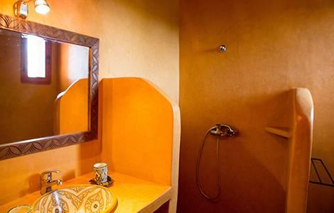 La douche à l'italienne en tadelakt, originale et pleine de style