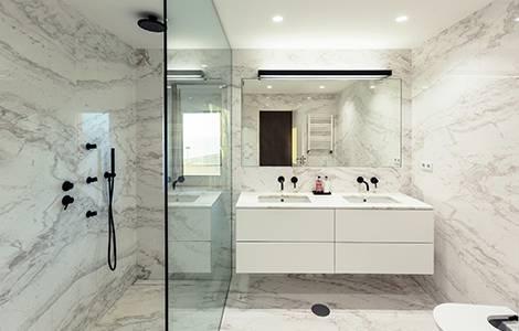Une douche en marbre…tellement italienne!