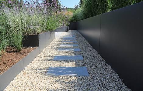 La bordure de jardin en aluminium