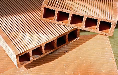 Cloisons intérieuresde distribution : la brique en terre cuite