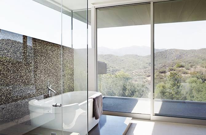 Choisir une baie vitrée : ouverture sur le paysage