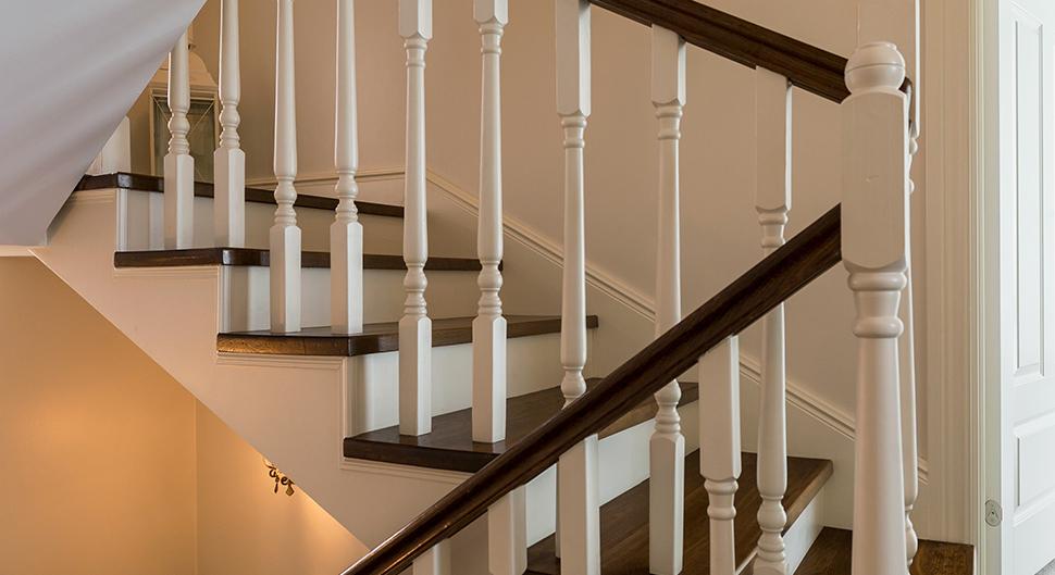Escalier en bois rénové