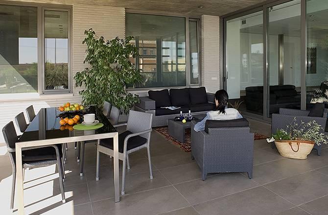 La terrasse couverte : un grand choix d'aménagements