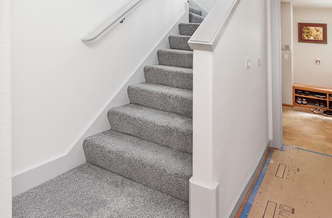 Escalier et moquette