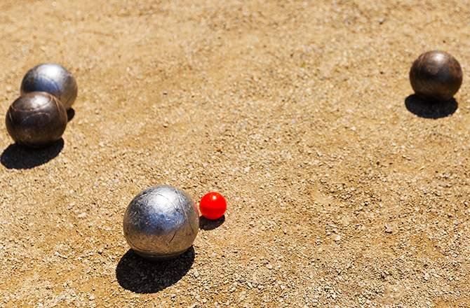 Terrain de pétanque en sable