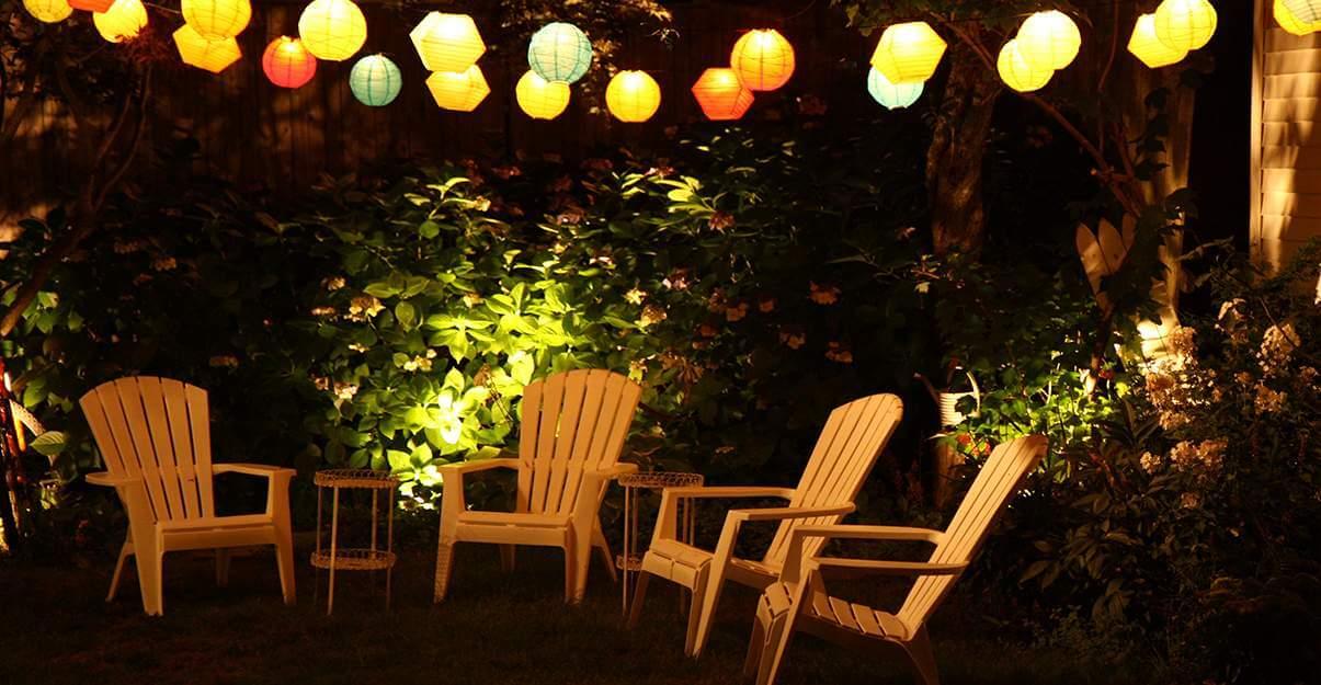 Illuminer un jardin: les lampions