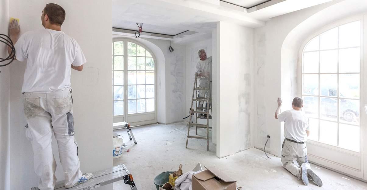 Rénovation intermédiaire: entre 800 et 900 euros du m²