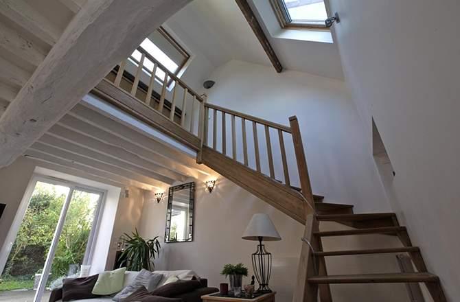 décoration combles : le choix de l'escalier