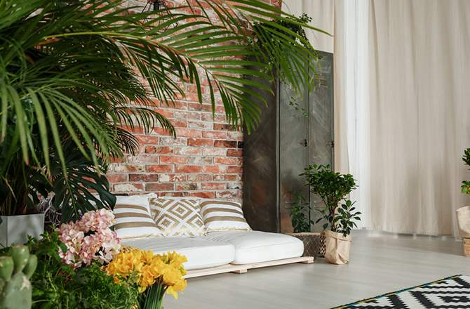 Rénovation intérieur maison ancienne : mur ancien et armoire indus