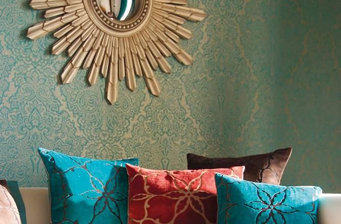Rénovation intérieur maison ancienne : papier peint ethnique chic