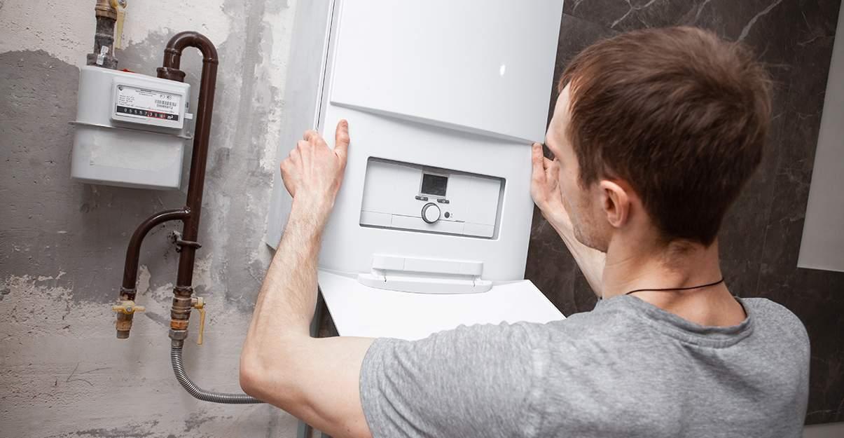 confier l'installation de sa chaudière à condensation à un professionnel RGE