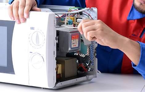 Électricien : réparation d'appareil électrique
