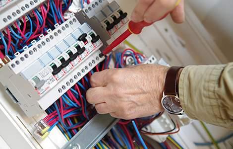 Eléctricien et mise aux normes électrique