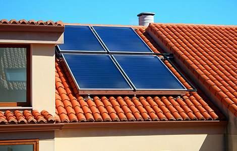 Capter la chaleur du soleil grâce aux panneaux solaires thermiques