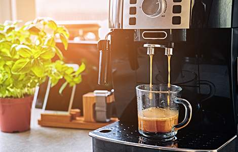 La cafetière autonome qui fait du café à la demande