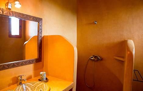 Enduit salle de bain : le tadelakt, pour une salle de bain orientale