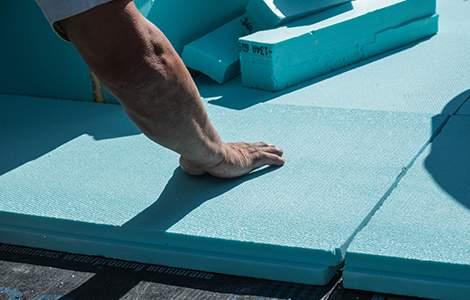 Isolation d'un toit terrasse par l'extérieur avec du polystyrène extrudé