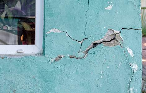 Rénovation lourde: fissure structurelle en façade