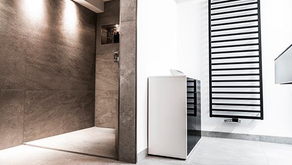 Une salle de bain confortable, adaptée et sécurisée