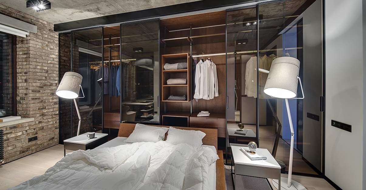 une chambre d'amis agréable avec dressing