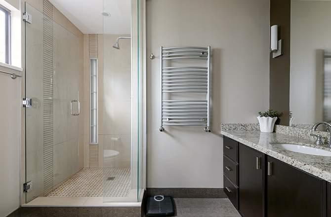 La douche rectangulaire, parfaite pour les grands formats