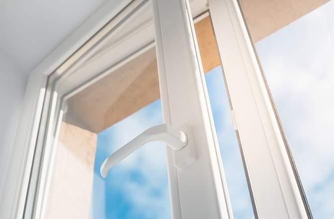Fenêtre avec ouverture à la française