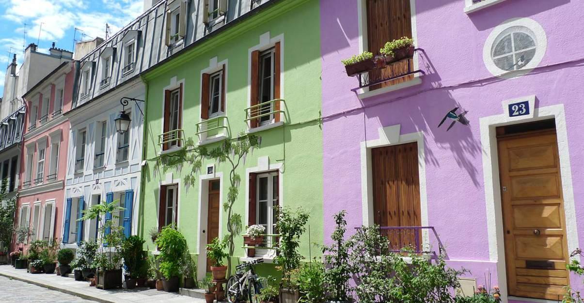 La maison des années 30 et sa façade colorée