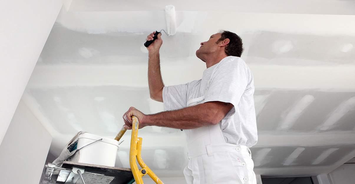 Faire rénover son plafond par un professionnel