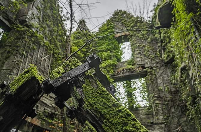 Rénover une ruine: la majorité des murs porteurs doivent exister.