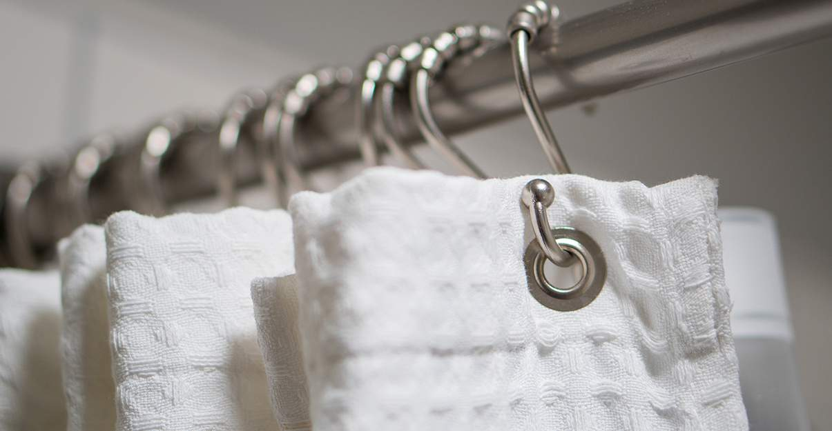 Le rideau de douche, radicalement déco