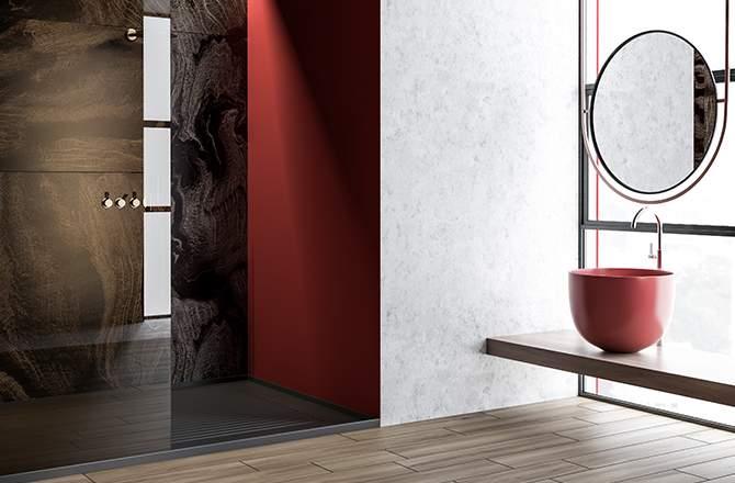 Salle de bain rouge et design