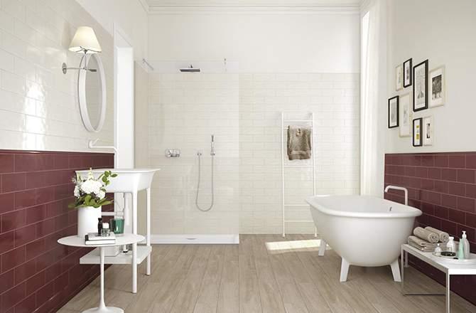 Bordeaux et blanc pour salle de bain vintage