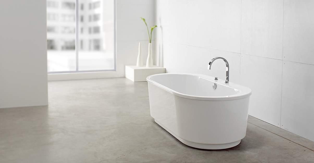 Béton ciré: un sol de salle de bains moderne