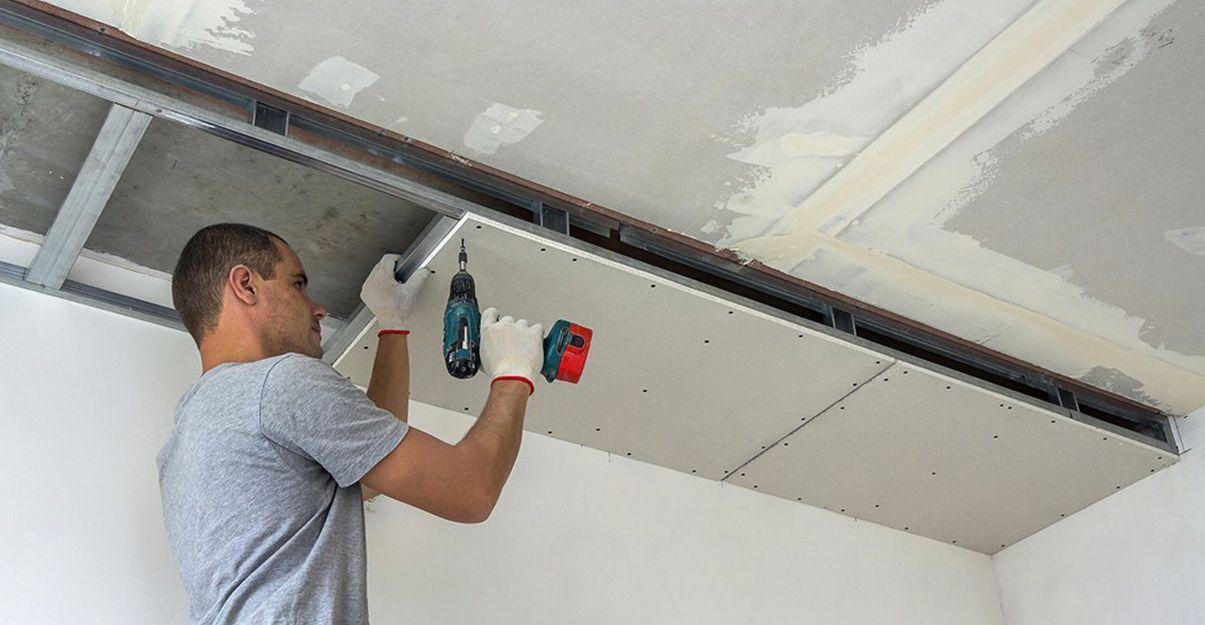 Le coffrage en placo permet de dissimuler certaines installations électriques ou sanitaires.