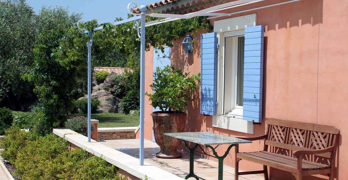 Rénover une maison dans le sud de la France: les protections solaires