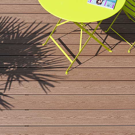 Lame de terrasse en bois composite