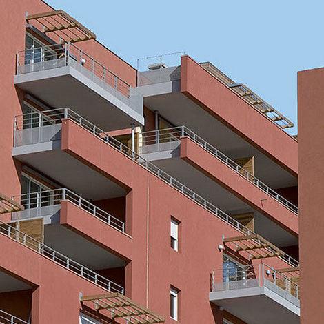 Enduit de façade pour une couleur foncée ou soutenue