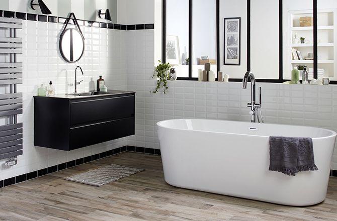 Revêtement sol salle de bain industrielle bois brut