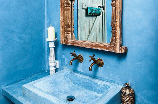Tadelakt bleu en salle de bain