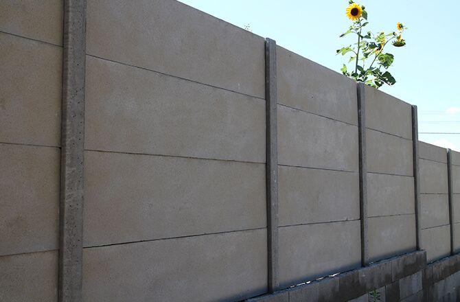 Clôture béton panneaux teinté dans la masse