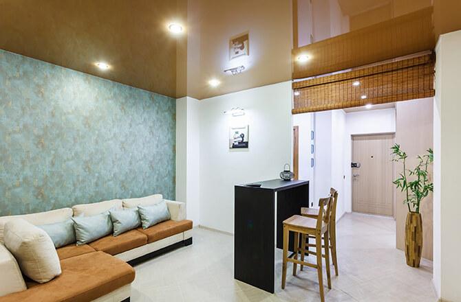 Revêtement pour plafond : toile tendue brillante